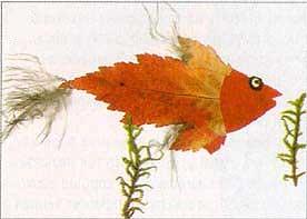 Золотая рыбка из осенних листьев