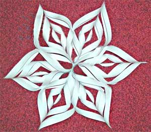 Из бумаги поделки снежинок