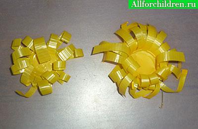 Хризантемы из пластиковых стаканчиков