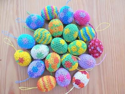 Нашла интересно оформленные яйца к Пасхе.  Выполнены они в стиле квиллинг (бумагокручения).Сама я этим видом...