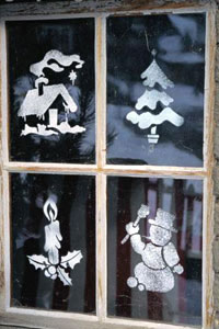 Рисунки на оконном стекле