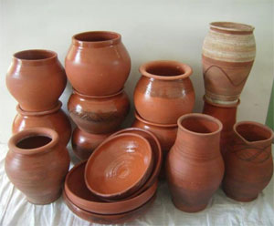 Керамическая посуда, покрытая глазурью