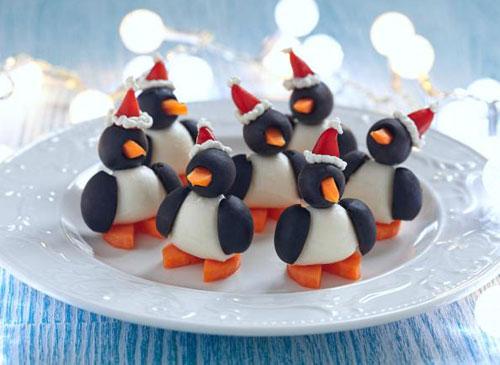 Пингвинчики из яиц и оливок