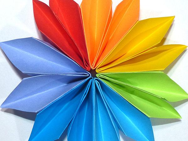 Цветик-семицветик из бумаги