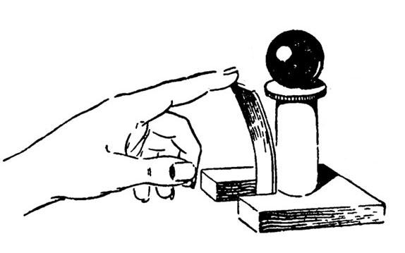 Опыты и самоделки, основанные на явлении инерции